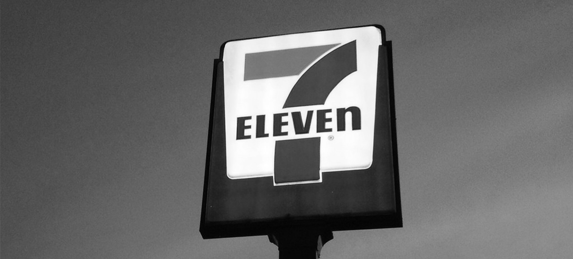 7-eleven_bw
