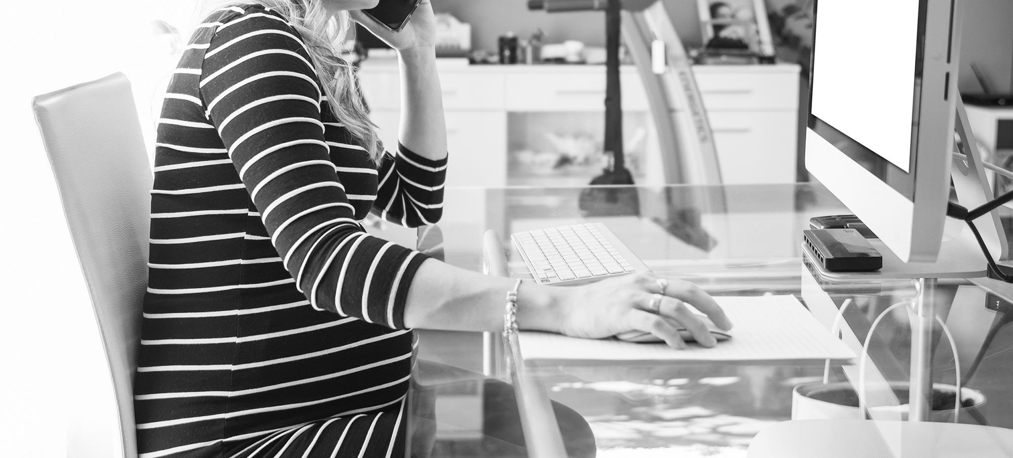 pregnancy-workplace_bw